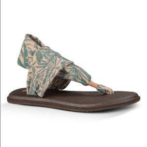 Sanuk Sandals Yoga Mat Sling Hawaiian Pattern EUC